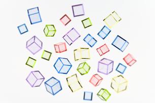アクリカラーキューブの集合の素材 [FYI00991838]