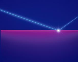 屈折するレーザーイメージの素材 [FYI00991933]