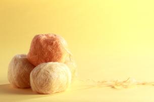 黄色い毛糸玉の素材 [FYI00992188]