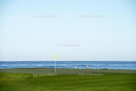海辺のゴルフ場の素材 [FYI00993215]