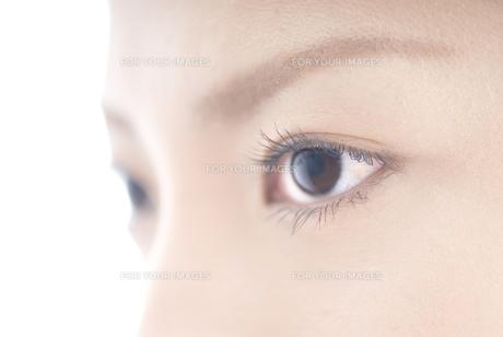 女性 瞳アップの素材 [FYI00993741]