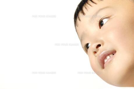 子供の笑顔の素材 [FYI00993761]
