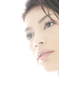 20代日本人女性のビューティーの素材 [FYI00993825]