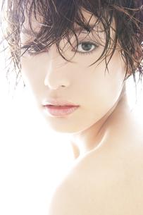 20代日本人女性のビューティーの素材 [FYI00993830]