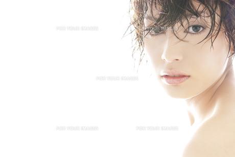 20代日本人女性のビューティーの素材 [FYI00993888]