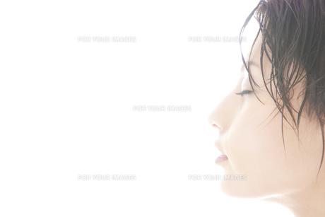 20代日本人女性のビューティーの素材 [FYI00993890]