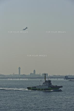 ボートと羽田空港の素材 [FYI00995571]