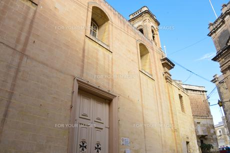 ヴィットリオーザの町 マルタ十字のドアの素材 [FYI00999813]