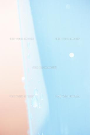 洗面器についた水滴の素材 [FYI01003366]