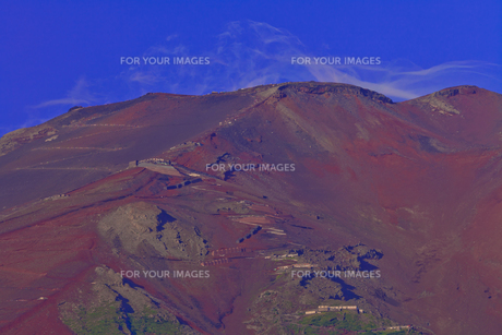 夏の富士山頂上部の素材 [FYI01009355]