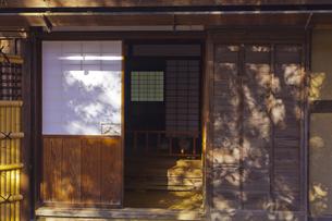 文豪田山花袋の旧居の玄関の素材 [FYI01011062]