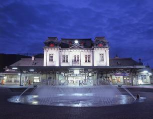 門司港駅の夜景の素材 [FYI01017261]