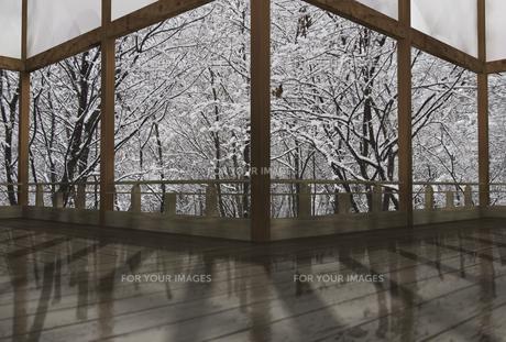 冬の和風建物の渡り廊下の素材 [FYI01021360]