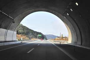 新名神高速道路,甲南トンネル西側出口の素材 [FYI01026638]