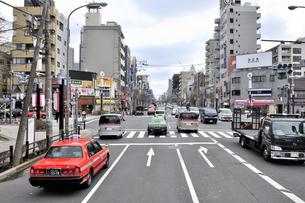 新大橋通り森下駅前交差点の素材 [FYI01026884]