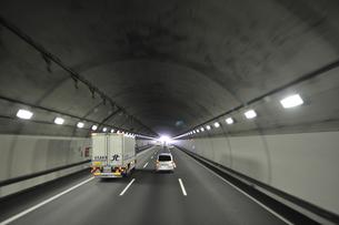 新名神自動車道鈴鹿トンネル 滋賀県側出口の素材 [FYI01027022]