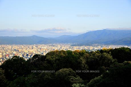 東山山頂から見る京都の朝の素材 [FYI01027794]