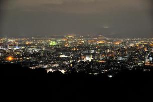 東山山頂から見る京都の夜景の素材 [FYI01027871]