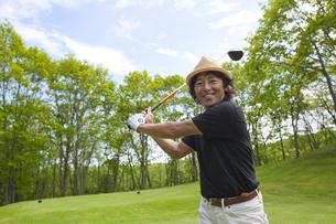 新緑とゴルファーの素材 [FYI01029039]