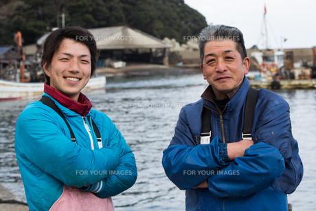 作業する漁師の素材 [FYI01030336]