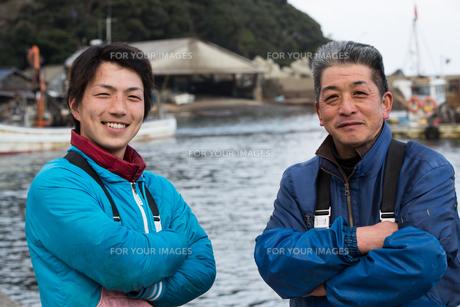 作業する漁師の素材 [FYI01030378]