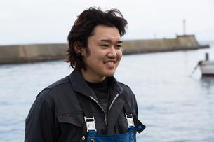作業する漁師の素材 [FYI01030400]