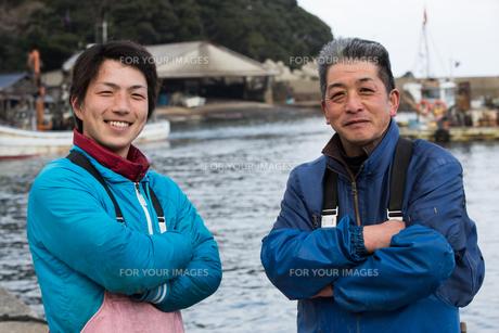 作業する漁師の素材 [FYI01030449]