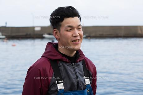作業する漁師の素材 [FYI01030461]