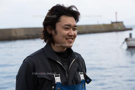 作業する漁師の素材 [FYI01030463]