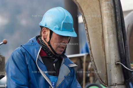 作業する漁師の素材 [FYI01030479]