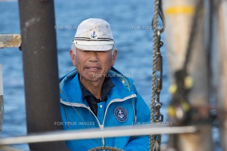 定置網漁の男性の素材 [FYI01030627]