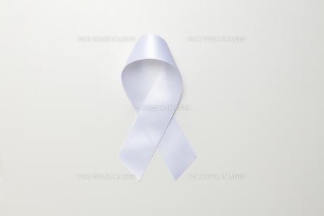 白いリボンの素材 [FYI01031947]