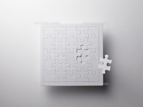 白いジグソーパズルの素材 [FYI01031983]