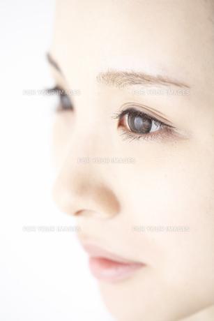 女性の瞳の素材 [FYI01032190]