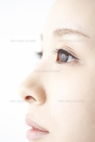 女性の瞳の素材 [FYI01032204]