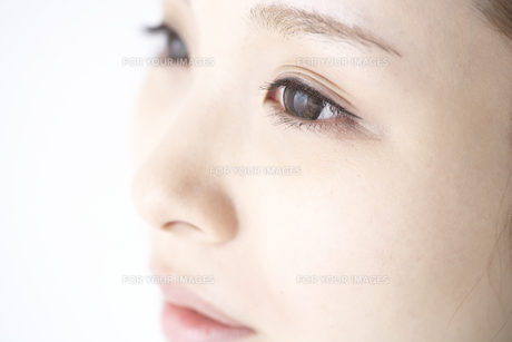 女性の瞳の素材 [FYI01032246]