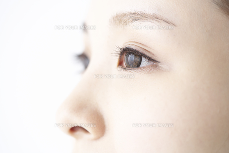 女性の瞳の素材 [FYI01032260]