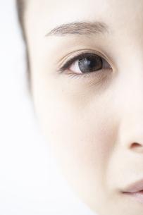 女性の瞳の素材 [FYI01032268]