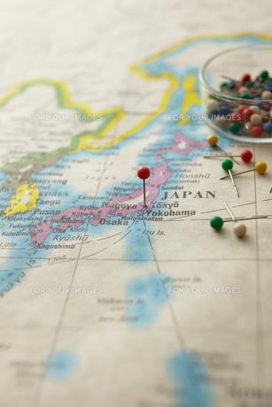 東京にピンをさした世界地図の素材 [FYI01032753]