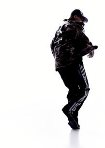 ダンスをする女性のシルエットの素材 [FYI01033028]