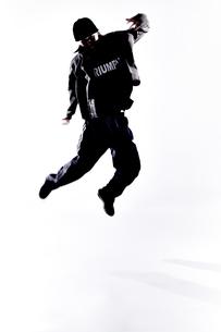 ダンスをする女性のシルエットの素材 [FYI01033044]