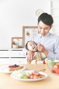 親子で朝食の素材 [FYI01033777]