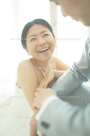 幸せな新郎新婦の素材 [FYI01033895]