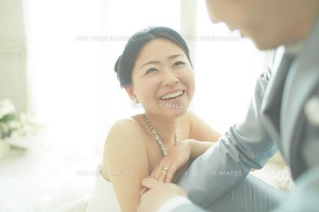 幸せな新郎新婦の素材 [FYI01033908]