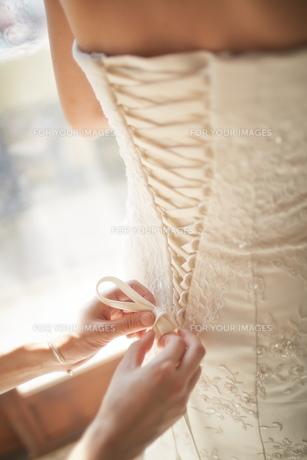 結婚式前の花嫁の素材 [FYI01033940]