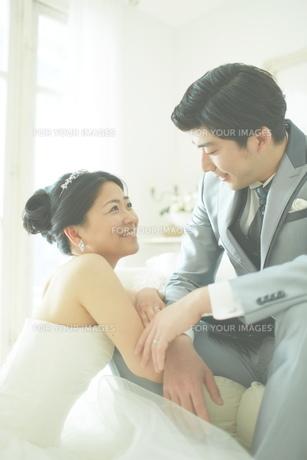 幸せな新郎新婦の素材 [FYI01033954]