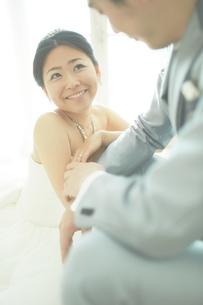 幸せな新郎新婦の素材 [FYI01033980]