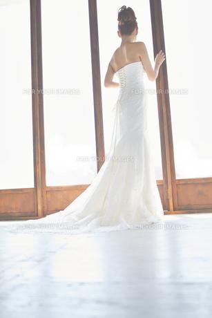 結婚式前の花嫁の素材 [FYI01034017]