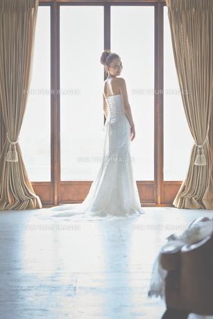 結婚式前の花嫁の素材 [FYI01034046]