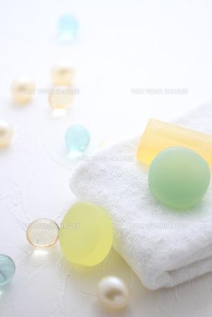 タオルと石鹸とバスキューブの素材 [FYI01037909]